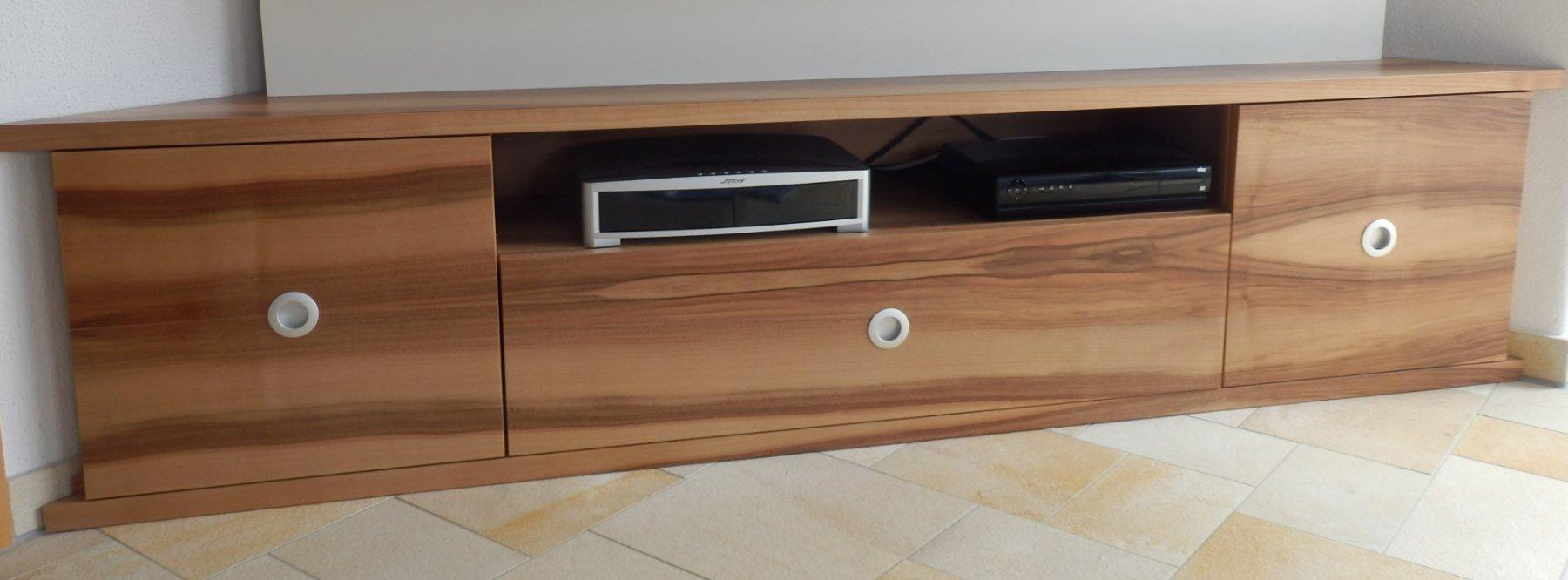 tv board nussbaum design lowboard borgund tvschrank nussbaum holz grau anthrazit hochwertig. Black Bedroom Furniture Sets. Home Design Ideas